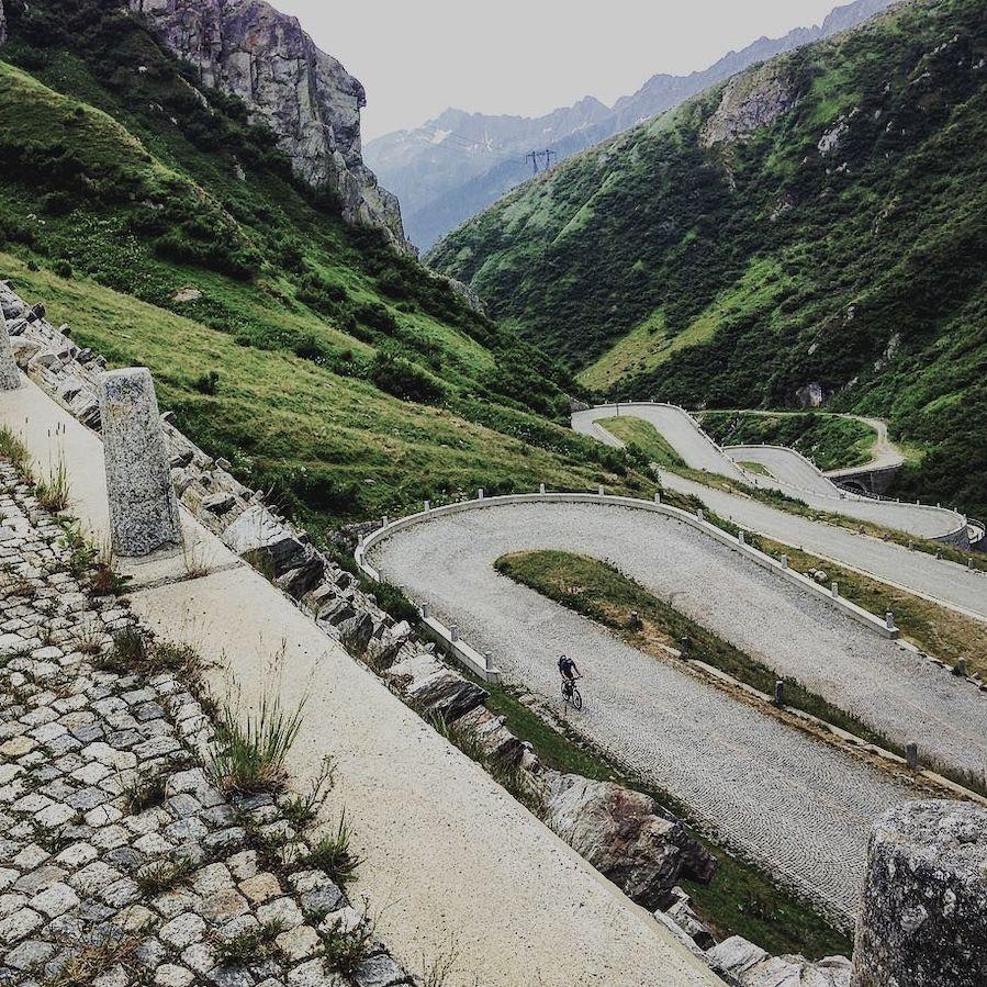 saint gottthard pass cycling